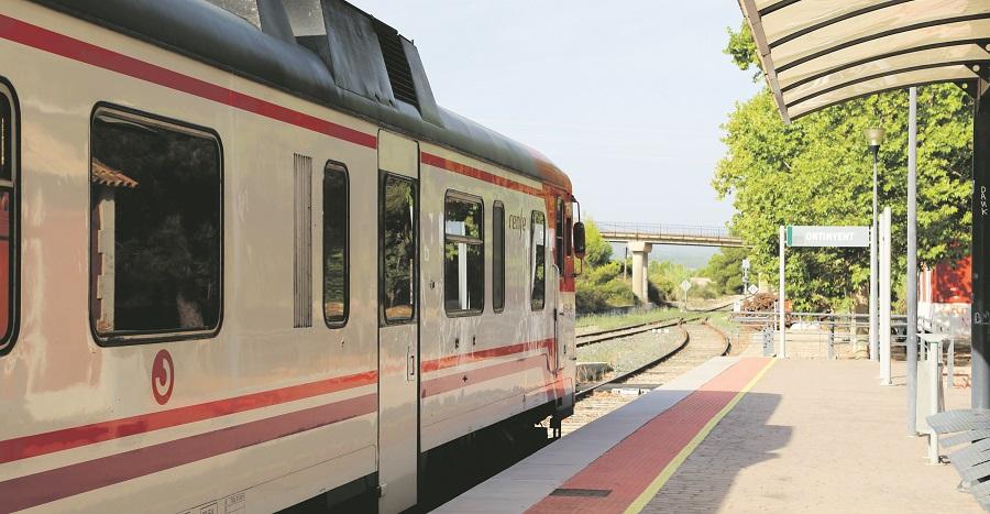 Sense data prevista per a recuperar el 100% del servei del tren Xàtiva-Ontinyent-Alcoi El Periòdic d'Ontinyent