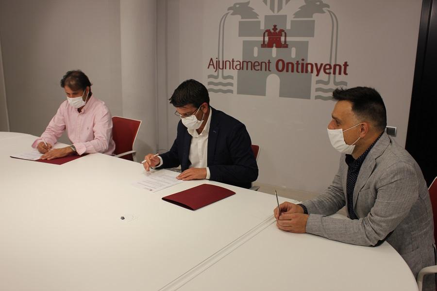 L'Ajuntament i l'Ontinyent 1931 CF signen el conveni de cessió d'ús de l'estadi El Clariano El Periòdic d'Ontinyent - Noticies a Ontinyent