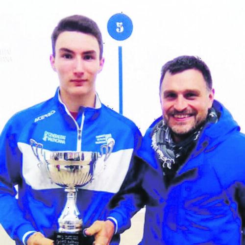 El pilotari d'Ontinyent Ivan Esparza debuta com a professional a la Copa Raspall