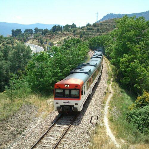 El bus que s'emprarà durant les obres de la línia Xàtiva-Alcoi pararà en el casc urbà