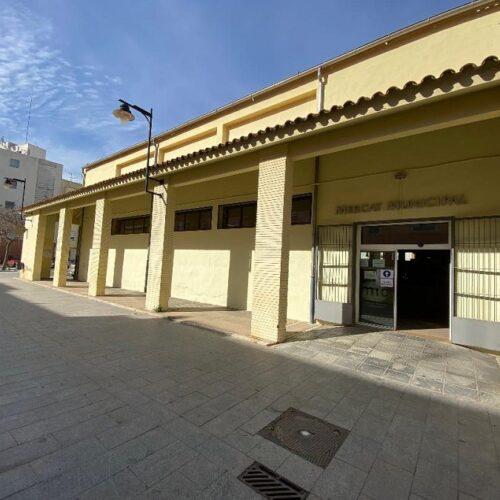 Un Mercat Municipal renovat amb escales mecàniques i cafeteria