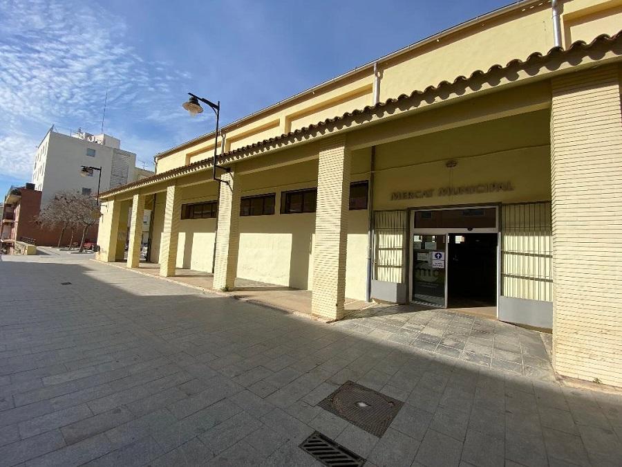 Un Mercat Municipal renovat amb escales mecàniques i cafeteria El Periòdic d'Ontinyent
