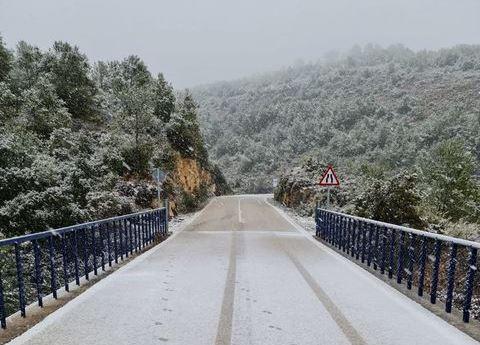 Comença a nevar al voltant d'Ontinyent El Periòdic d'Ontinyent