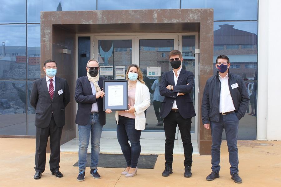 Cotoblau es converteix en la primera indústria tèxtil d'Espanya en aconseguir la certificació ISO 28000 El Periòdic d'Ontinyent