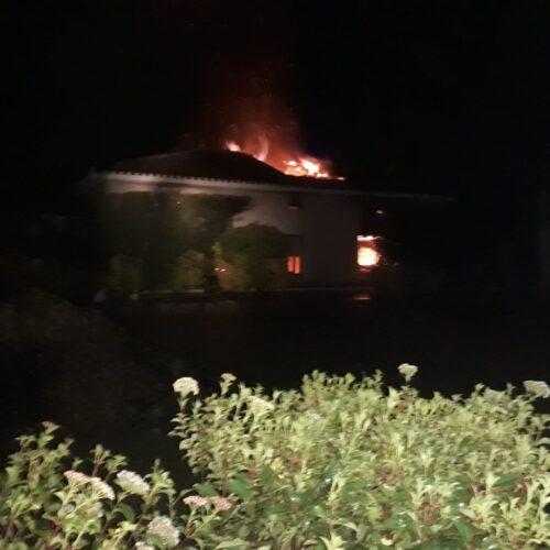 Un agent de la Policia Local salva la vida a un home en l'incendi d'una caseta