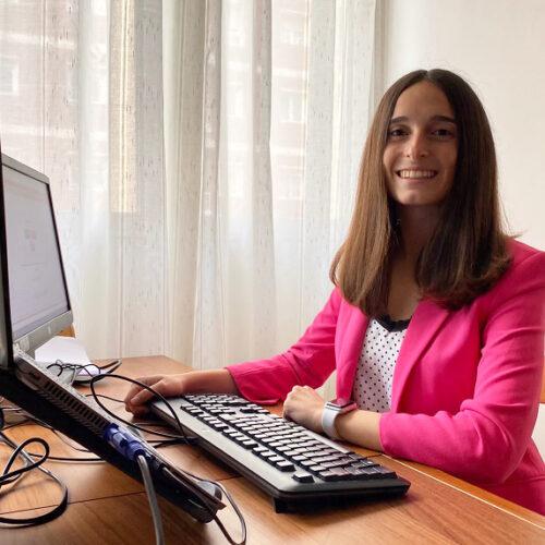 Andrea Puertas, l'ontinyentina que treballa en la principal fabricant d'avions del món