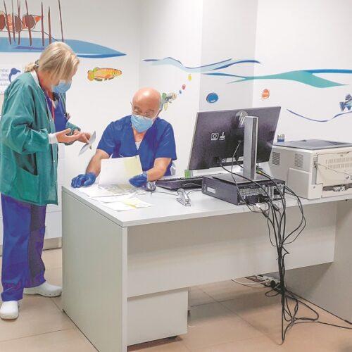 La professió mèdica reconeix a Ricard Garcia en el moment de la seua jubilació