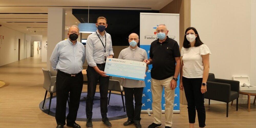 La Fundació 'la Caixa' dóna 4.000 euros a Cáritas Ontinyent