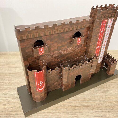 El Periòdic d'Ontinyent et regala la rèplica del Castell de Festes