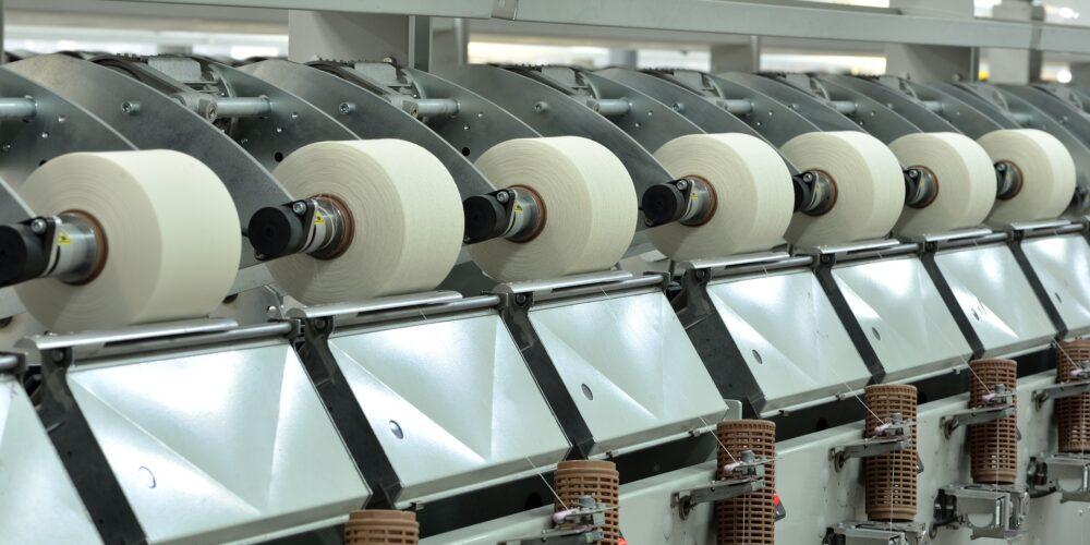 Signat el nou conveni per al sector tèxtil