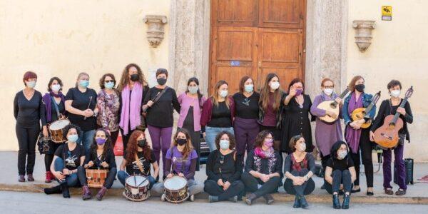 Visibilitzen a les 'cantaores' valencianes amb l'activitat 'Parint versos entre dones'