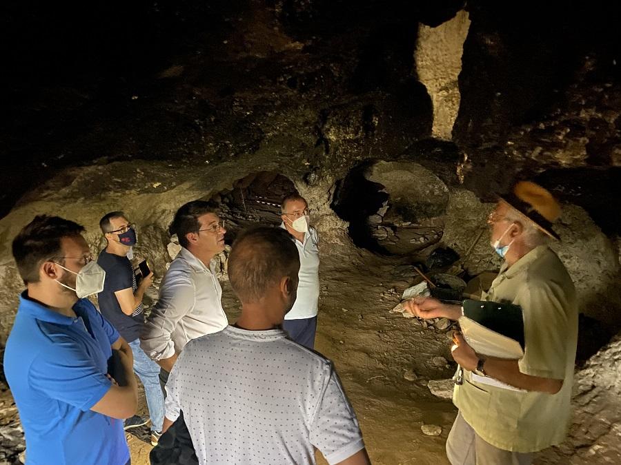 L'excavació de l'Abric de l'Hedra troba indicis de restes lítiques associades als neandertals El Periòdic d'Ontinyent - Noticies a Ontinyent