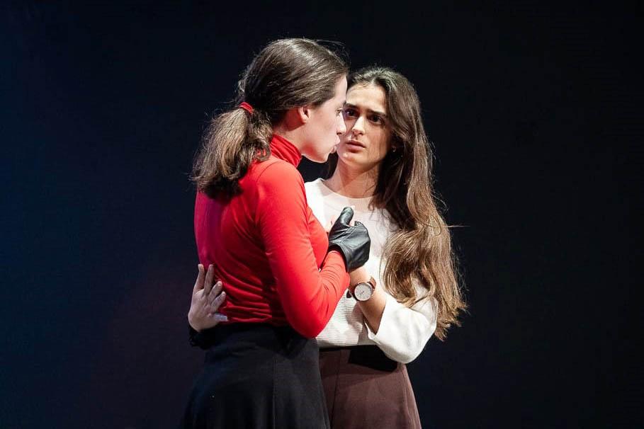 Paula Albert puja a l'escenari com alumna per última vegada El Periòdic d'Ontinyent - Noticies a Ontinyent