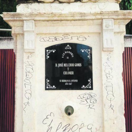 Pintades al patrimoni local signades pel vandalisme
