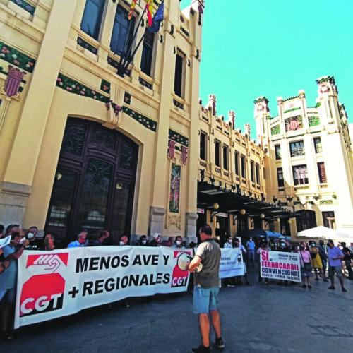 Polítics i sindicats demanen millores per a la línia Xàtiva-Ontinyent-Alcoi