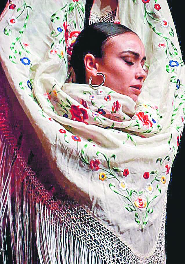 La formació d'Inés Ribera es nodreix amb els millors professionals de la dansa El Periòdic d'Ontinyent - Noticies a Ontinyent