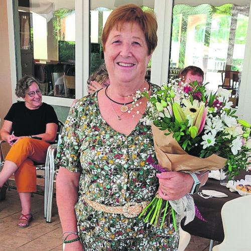 Angelines Real abandona la primera fila de la classe per a seguir aprenent en la jubilació