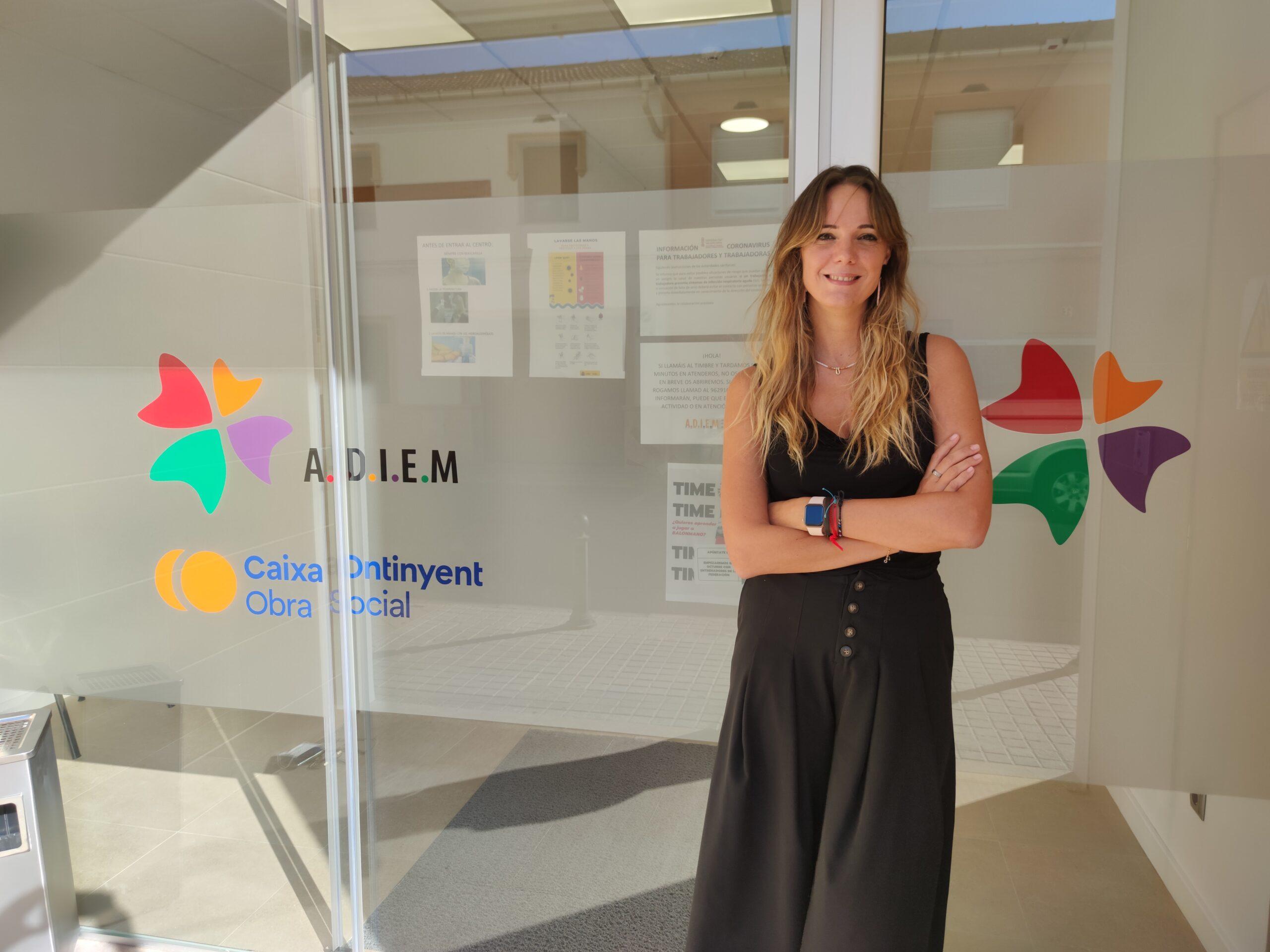 Sara Ureña talla les etiquetes lligades a la salut mental i insta a acudir al psicòleg El Periòdic d'Ontinyent - Noticies a Ontinyent
